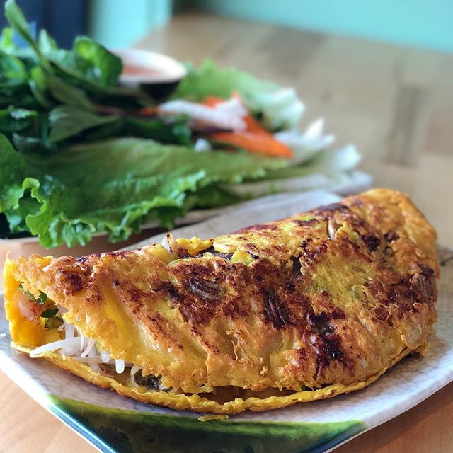 Banh Xeo will be this weekend's (11.17-11.18) special at Em! This turmeric crepe with🍤 🐷 is extra extra crispy! 👩‍🍳🥞 🔥😍😋⁣ ⁣ ⁣ ⁣ .⁣ .⁣ .⁣ .⁣ #eaterny #timeoutnewyork #devourpower #tastingtable #buzzfeed #insidernewyork #eeeeeats #foodoftheday #forkyeah #foodstagram #foodnetwork #nyceats #newyorkmagazine #seriouseats #lovefood #nomnomnom #nomnom #myfab5 #nycdining #topcitybites  #bensonhurst #heresmyfood #foodadventure #foodiefeature #foodislove #grubstreet