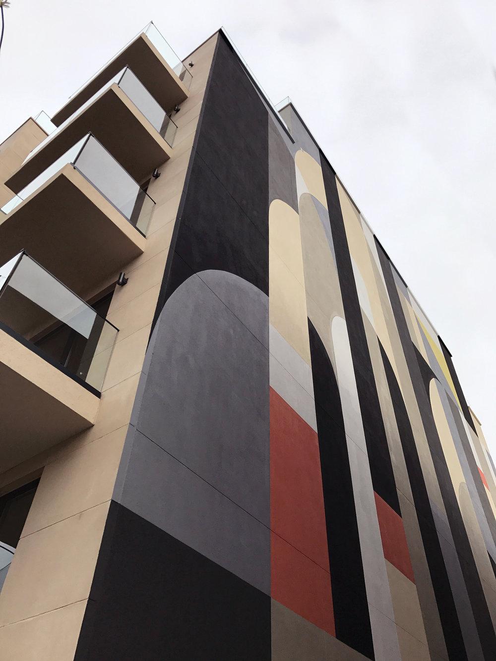 graffiti-house-exterior-mural.jpg