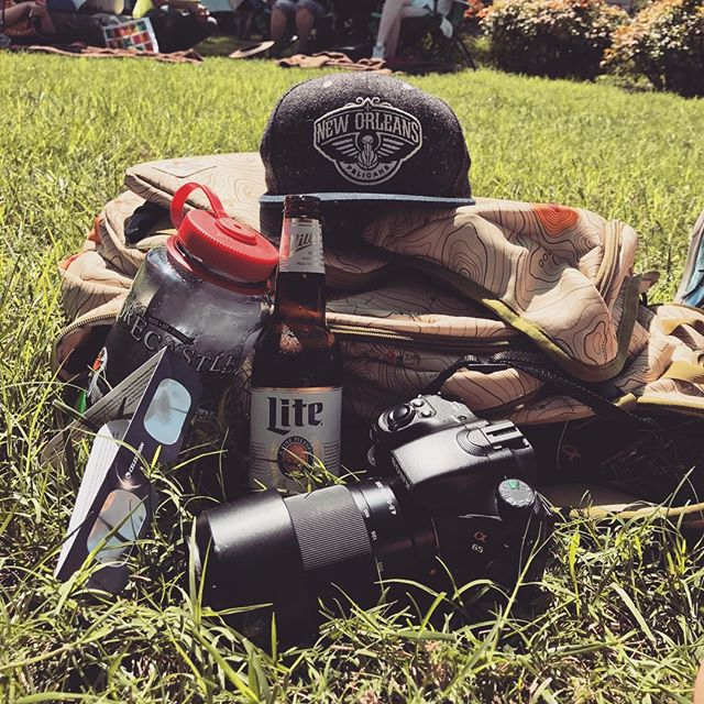 Essential #solareclipse gear 🌞 . #wherethehellami #ireallydontknow #butihavebeer #kentucky #russellville #eclipse #solareclipse2017