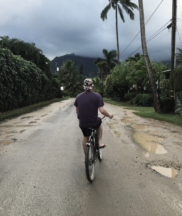 A leisurely cruise through town in my favorite place on this earth, Hanalei Bay, Kauai (following a cold brew coffee from Hanalei Coffee Roasters). November 2015 | Photo: @brynnedunn