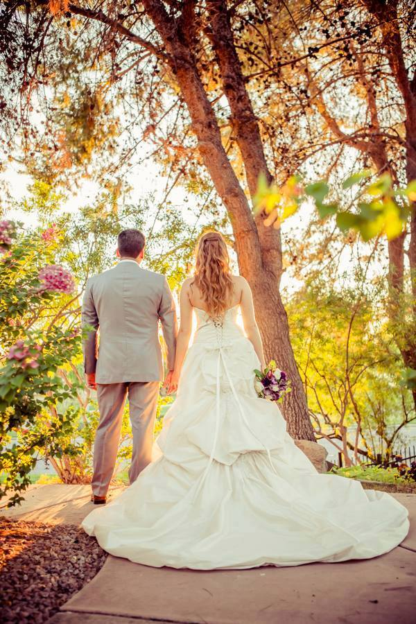 A Wedding Theme For Book Lovers Val Vista Lakes Events