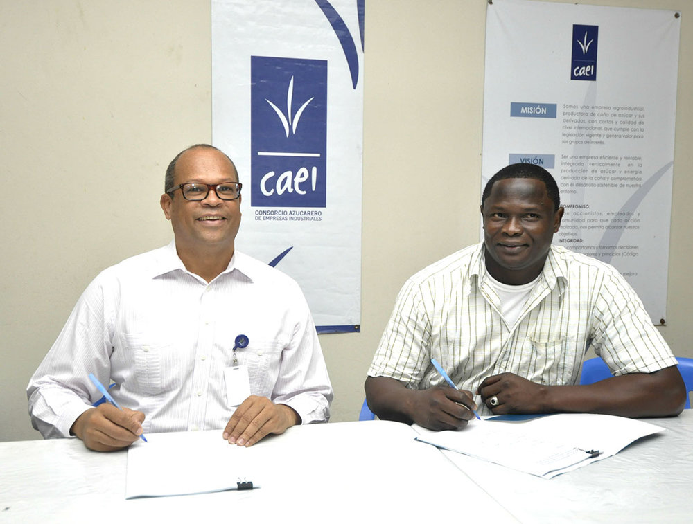 Workers Union and Ingenio Cristobal Colón sign collective agreement