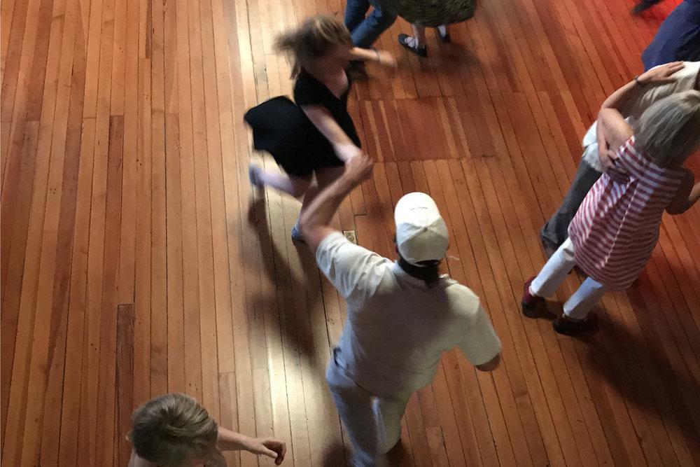 whiteandblackdancers.jpg