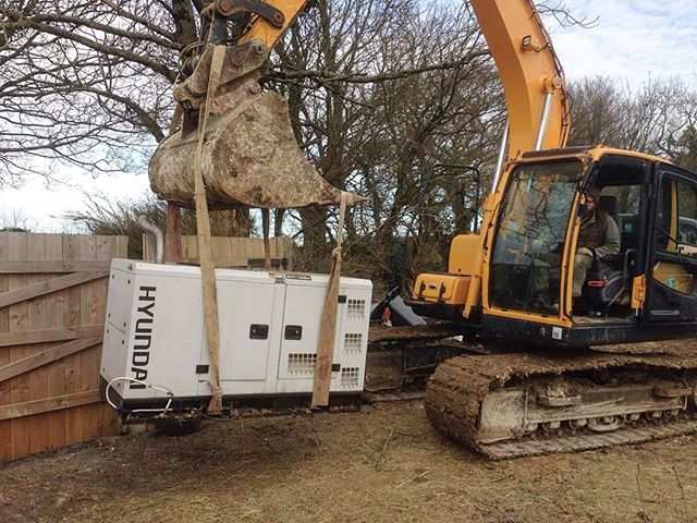 Moving our generator to its new home as we get ready to build a new barn. #melloview . #granddesigns #offgridliving #offgrid #generatorlife #backuppower #heavylifting #newbarn #barnraising #bigdigger #hyundai