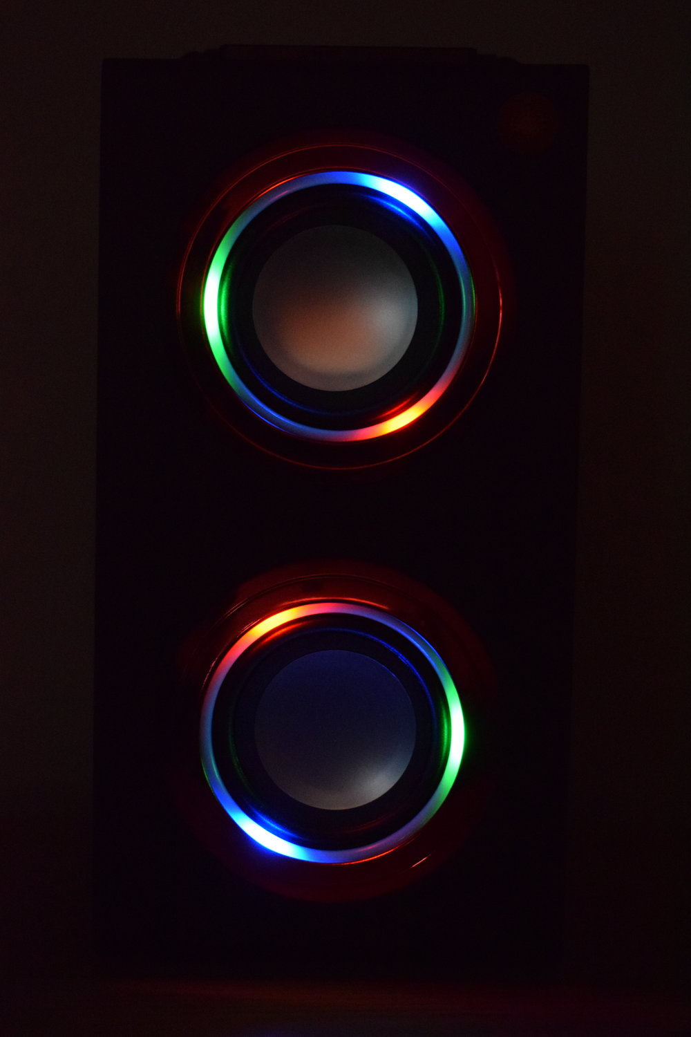 light up bluetooth speaker multicoloured lights