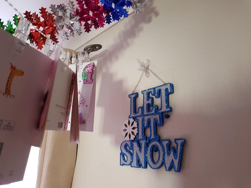 Let it snow hanging decorations