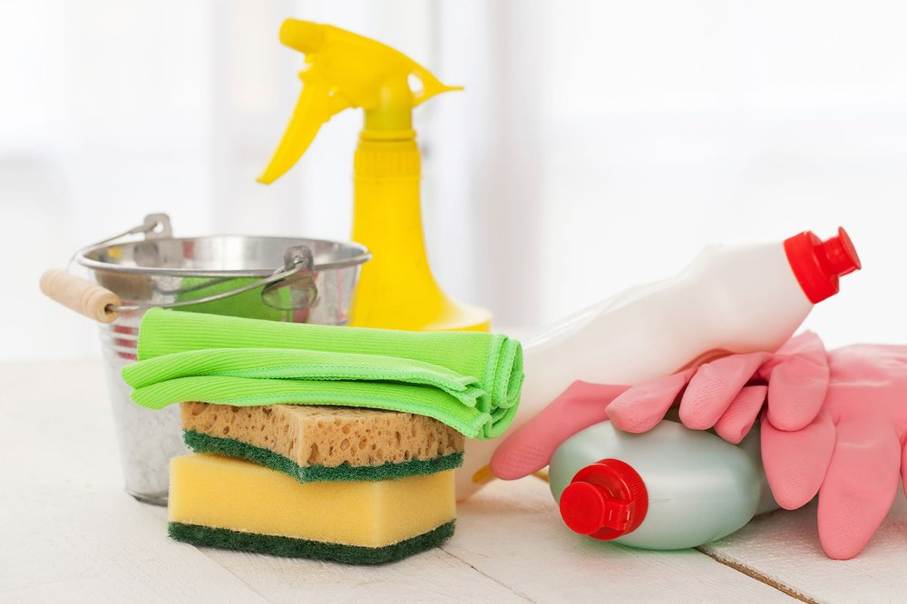 02-13-things-your-housecleaner-wont-tell-you-harsh-cleaners.jpg