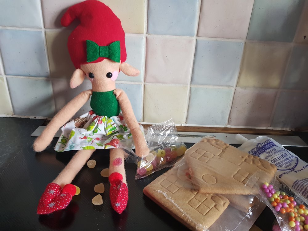 Elf on a Shelf December 18th Gingerbread house