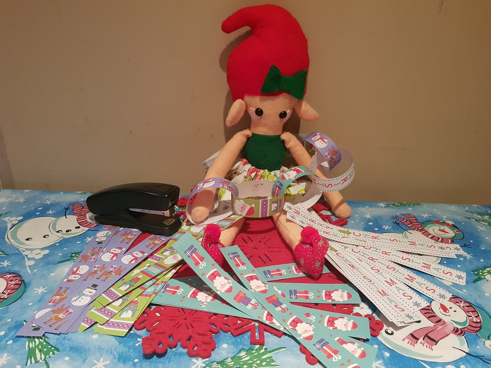 Elf on a Shelf December 20th paper chains