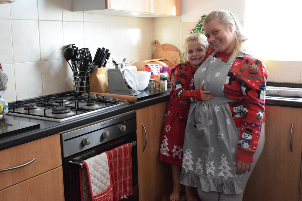Ragged Rose Retro Red Christmas Apron Me Becoming Mum's Christmas Gifts for Four Year Olds