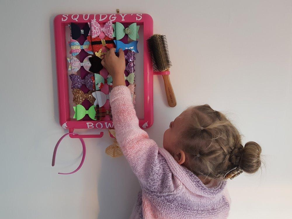Choosing a bow from The Hair Helper