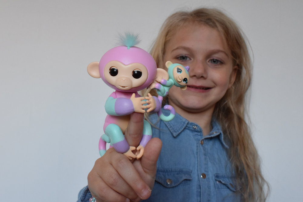 Fingerlings Ashley and Mini Chance Me Becoming Mum's Stocking Fillers for Under 5s