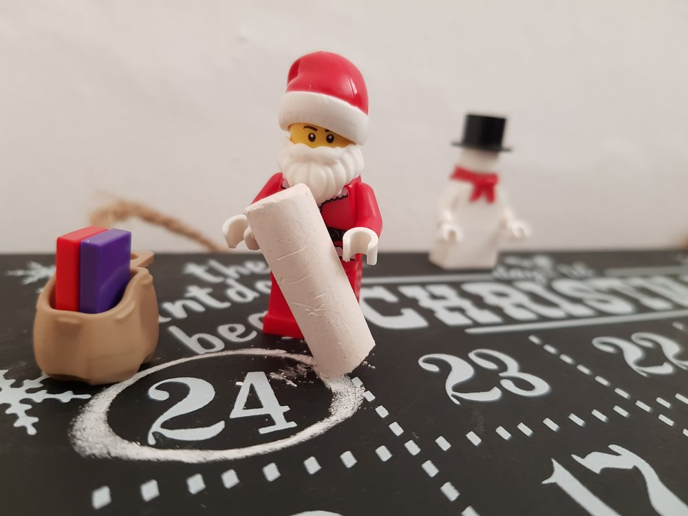 Counting down to Christmas with a chalkboard