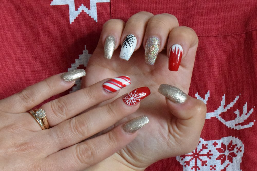 Christmas nails, festive nails