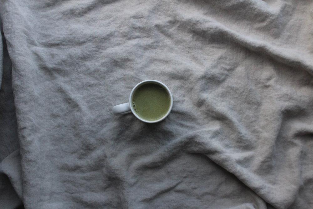 matcha-latte-macadamia-milk