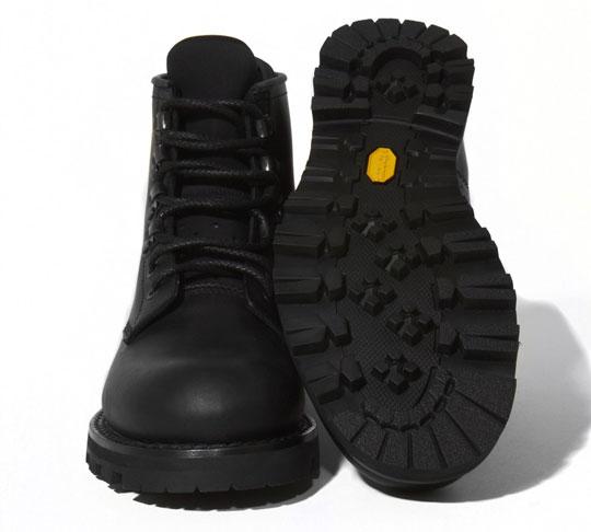 stussy-deluxe-bepositive-boots-1.jpg