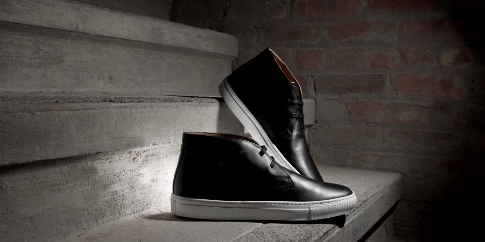 Royale-Chukka-Nero-Hero-01.jpg