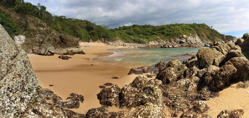 Huatulco has 9 bays and 36 beaches, which constitute a beautiful landscape in 35 kilometers of coastline. Its main bays are: San Agustín, Chachacual, Cacaluta, Maguey, Santa Cruz, Chahué, Tangolunda, Conejos and Riscalillo.