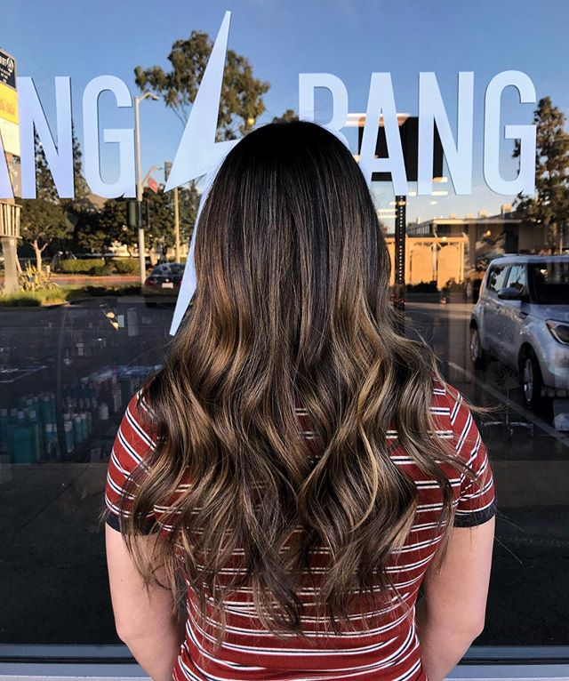 Birthday hair for my lovely guest, Kara! This was her first time coloring her hair and she wanted something different but still natural! Balayage is such a versatile technique and that's why I adore it so much! 🥰✨ #chelseathestylist #painted #transformationtuesday #virginhair