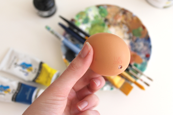 emma block painted easter egg diy