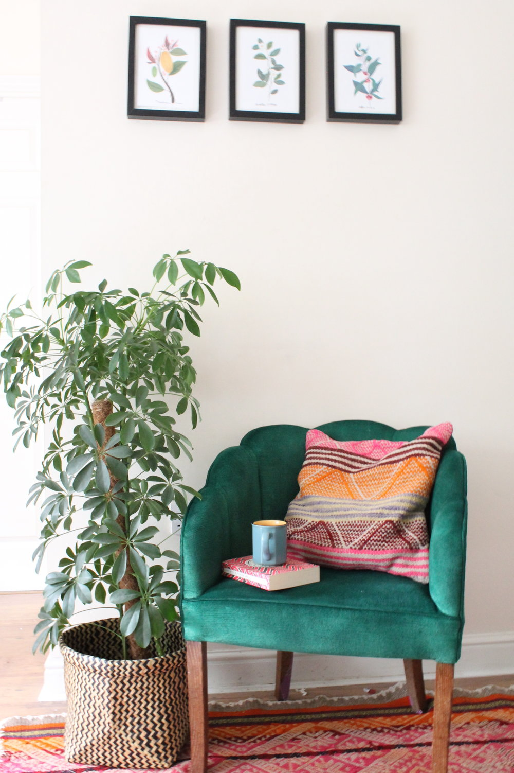 fabric spray paint green chair