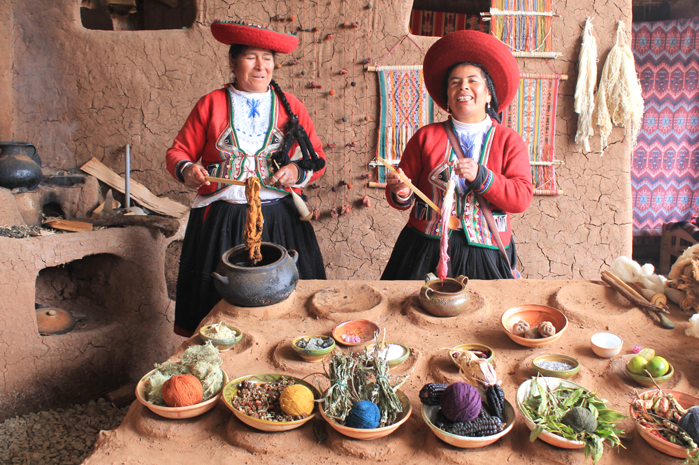 chinchero peruvian textiles weaving emma block