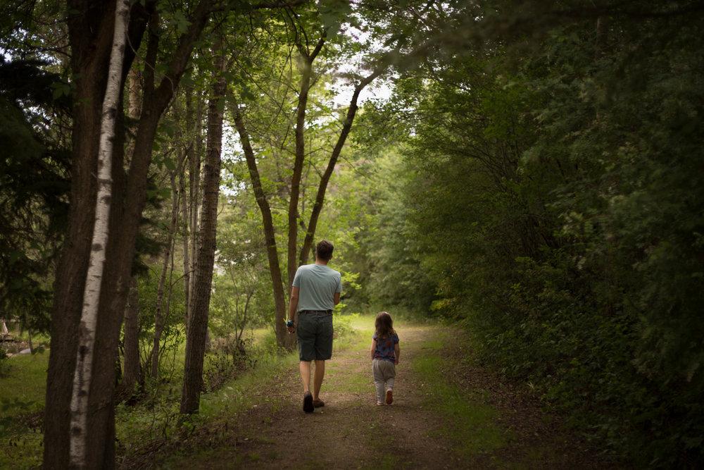 family photo sessions summer walk | edmonton, sherwood park