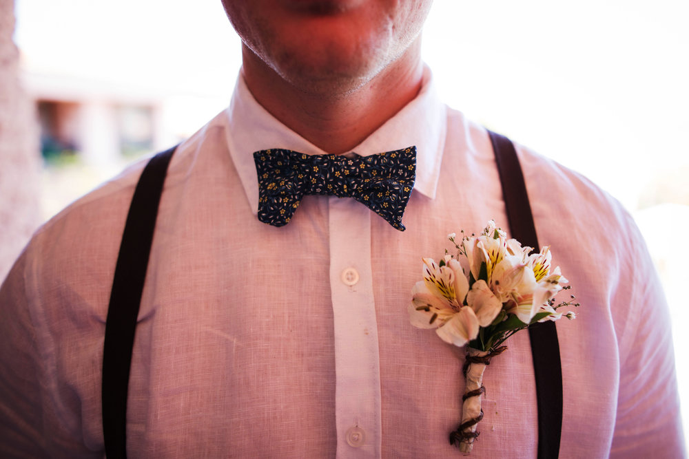 groom detail shot | groom bowtie