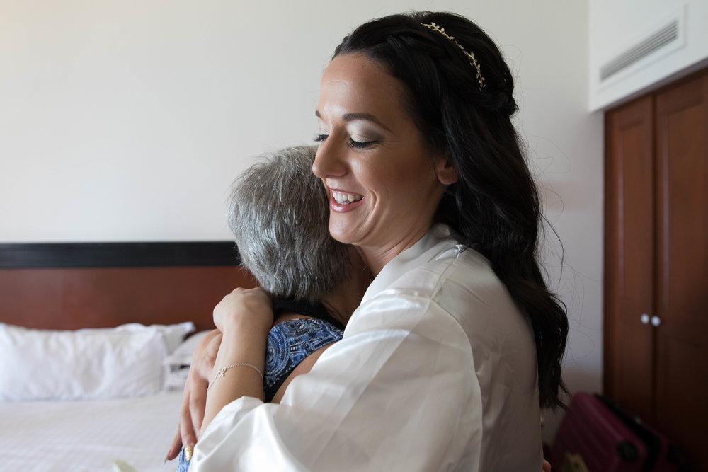 grandma and bride moment Huatulco wedding | Edmonton destination wedding photographer