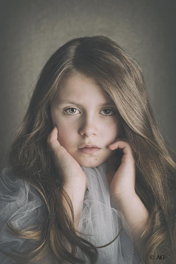 Copy of Fine art child portrait - Anya