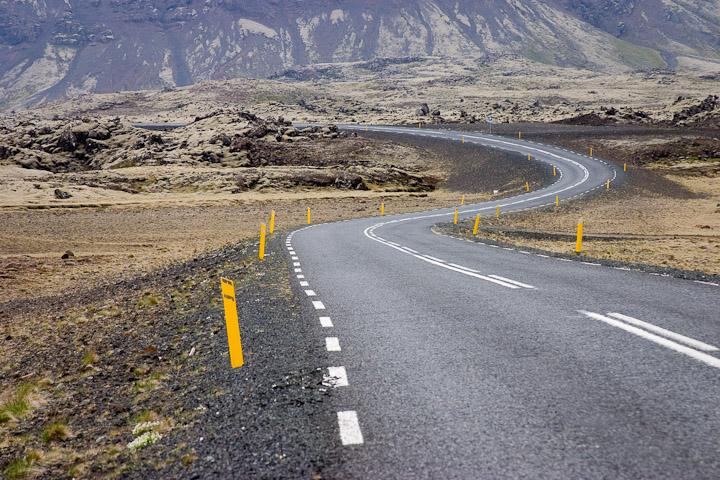 iceland road by bike 01.jpg