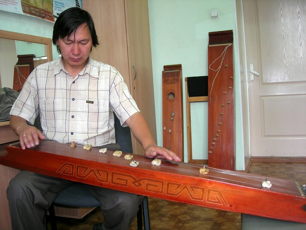 evgeni ulugbashev playing chatkhan