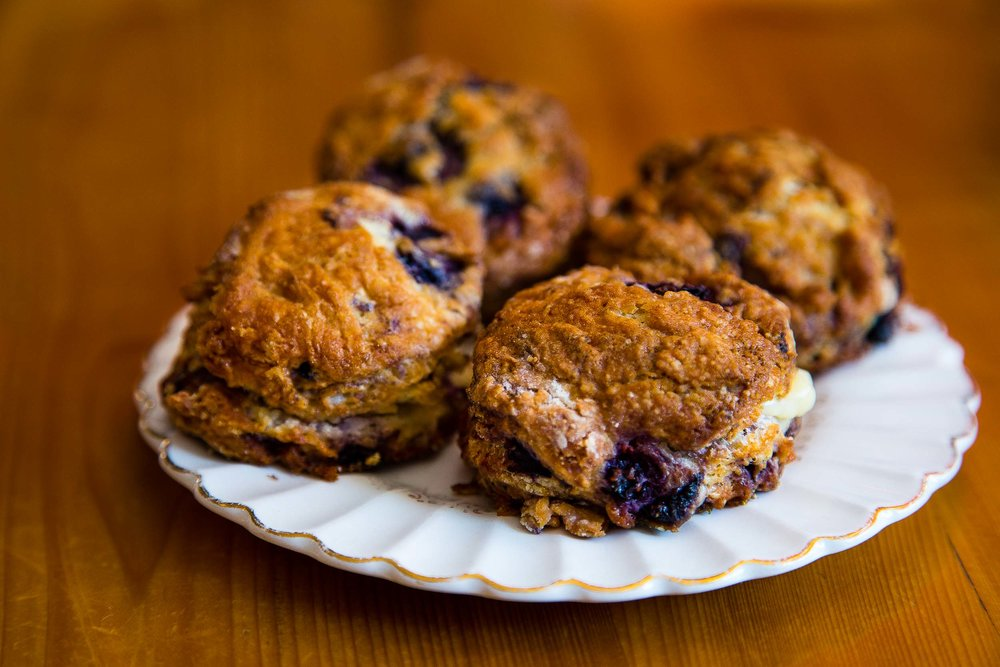 Blueberry scones with lemon curd