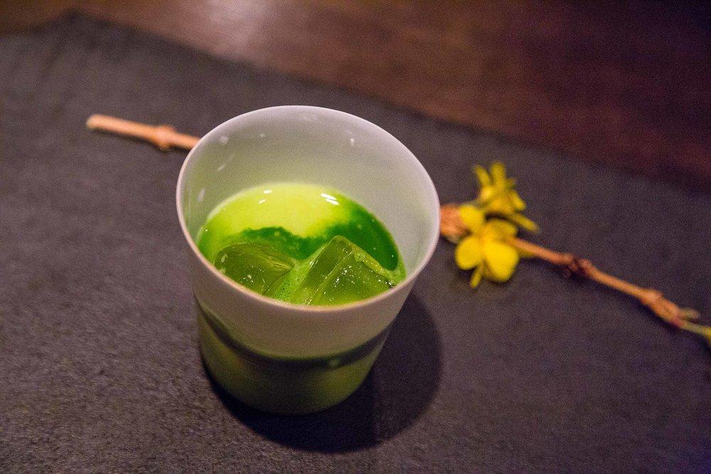 Kiwi, sake, matcha