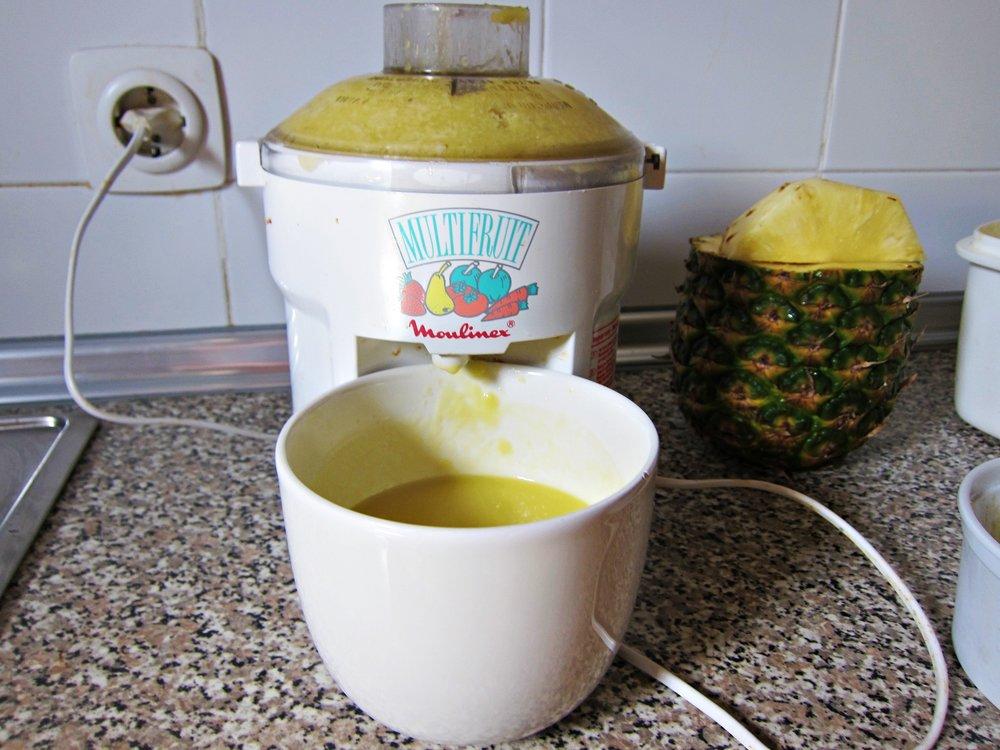 Zumo Natural de Mango, Piña y Coco