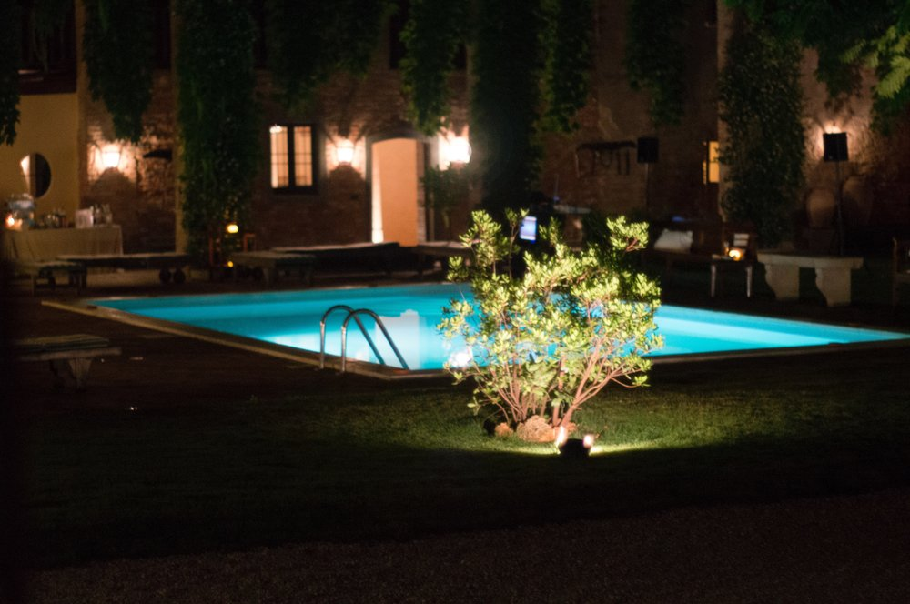 Corte interna con piscina