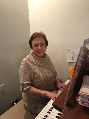Randi Smarsh, Organist