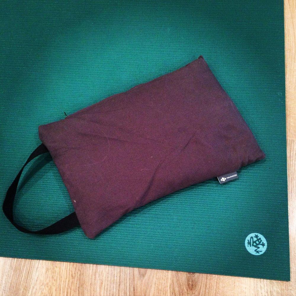 cornerstone_yoga_yin_still_meditation_fsj_bc_teacher_training_yxj_canada_vinyasa_props.jpg