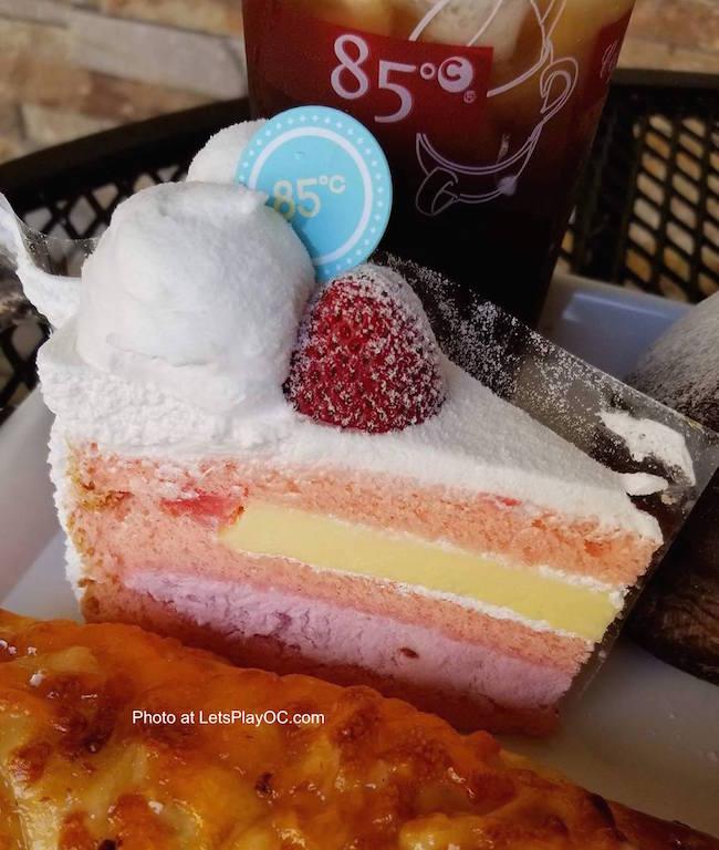 85C Bakery Cafe Strawberry Layered Cake Photo LetsPlayOC.jpg
