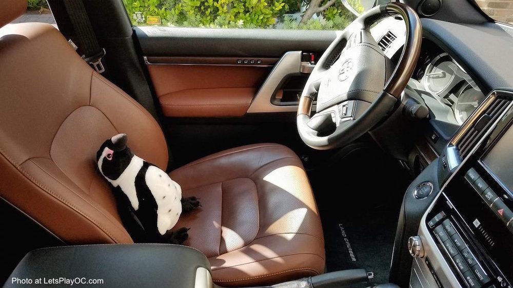 toyota land cruiser luxury suv front seat photo at letsplayoc.jpg