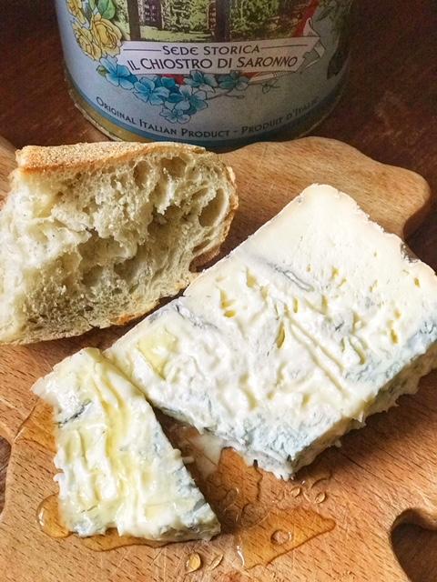 Mammaprada :: 4 Italian cheese to try this summer, Gorgonzola Dolce