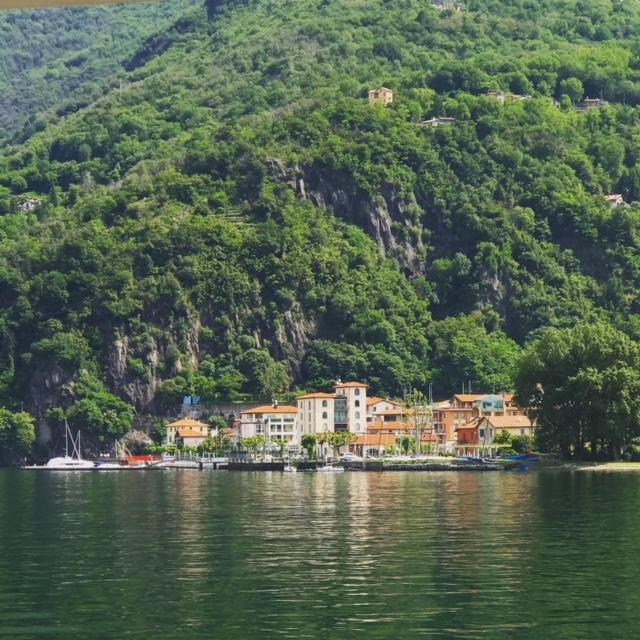 Mammaprada :: Best Italian lake holidays, Golfo Gabella on Lake Maggiore