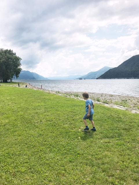 Mammaprada :: Visiting Lake Maggiore