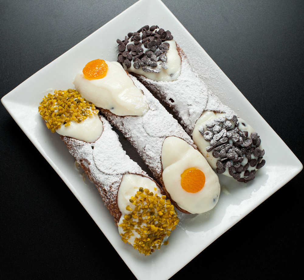 Cannoli_siciliani.jpg