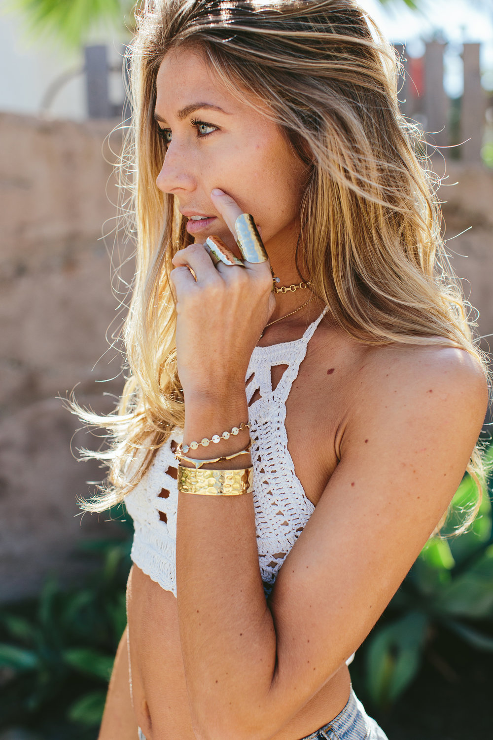 And adding in gold bangles and rings is an amazing touch for spring style.