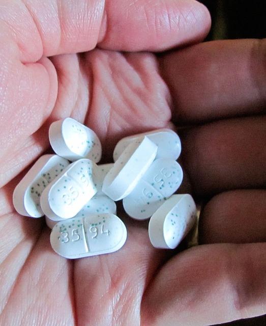 pills-14550_640.jpg