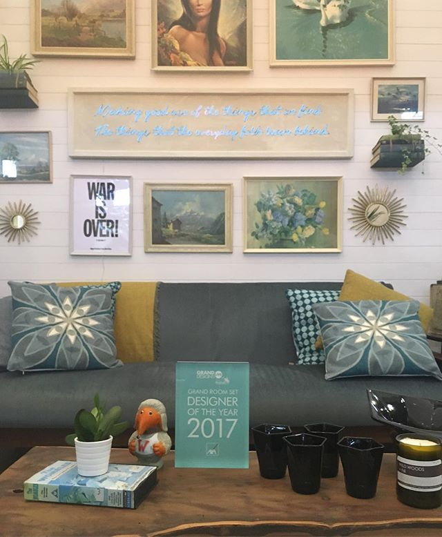 Bestie @lynnelambourne only went and won @granddesignslive for her room set design using only things found in skips, charity shops or second hand on @prelovedofficial. Blog post coming soon! #busytimes #interiorsinspo #askyourbesties