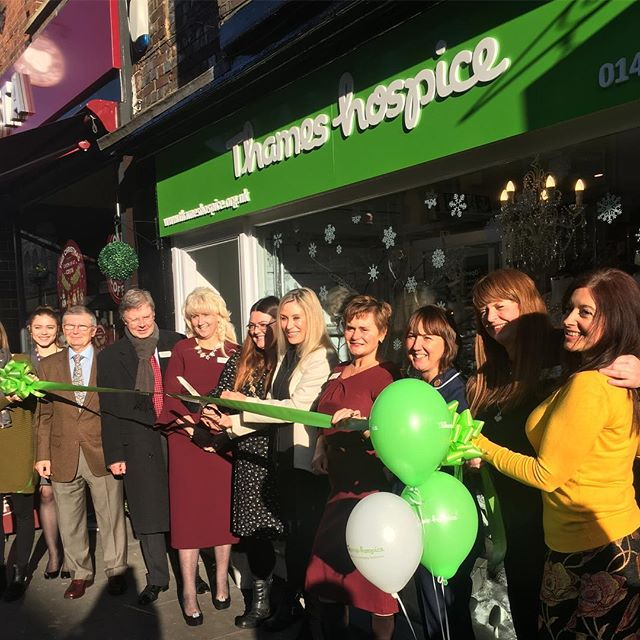 Fabulous ribbon cutting skills from @angiebestofficial and The Major of Henley today as they open @thameshospice in Henley on Thames. Such a fantastic charity and frankly the smartest charity shop we have ever seen! #askyourbesties #support #thameshospice