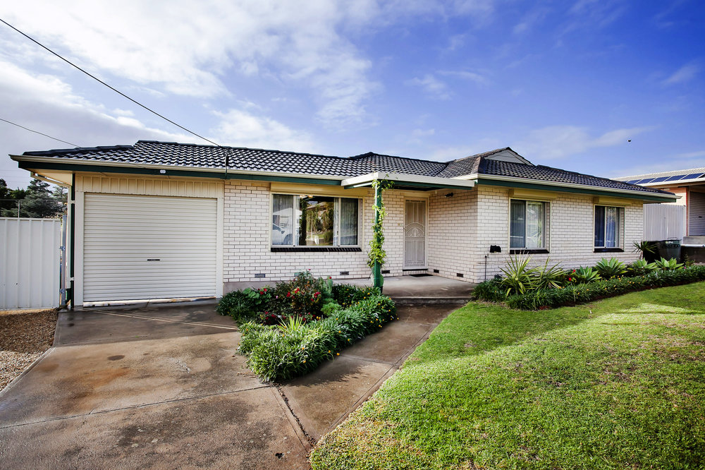 24 Woodstock Ave, Christie Downs - SOLD!