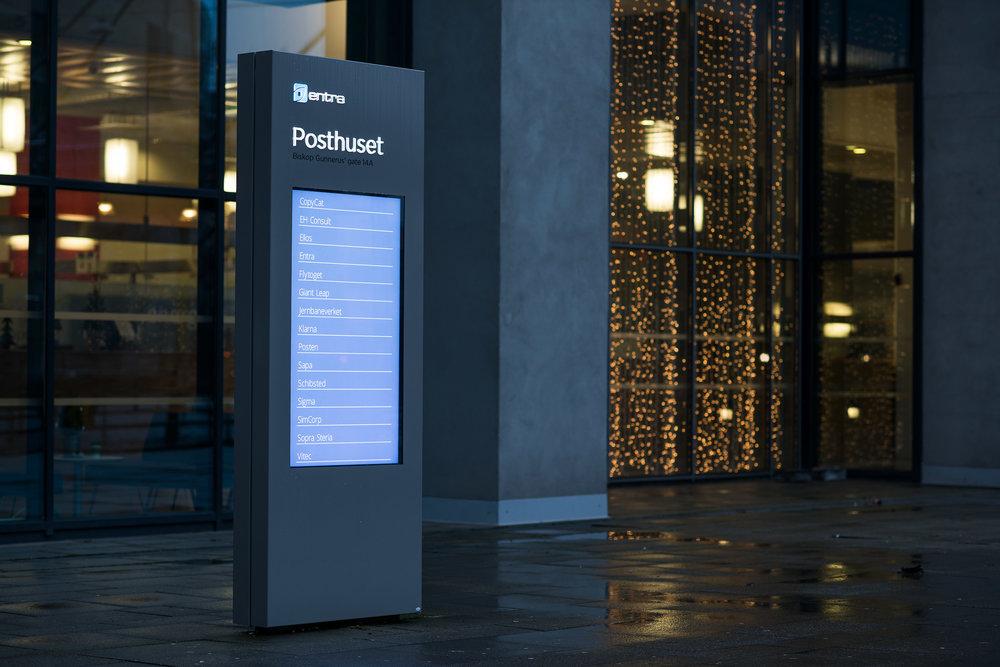 Pylon utenfor Posthuset, Biskop Gunnerus' gate 14 A, Oslo